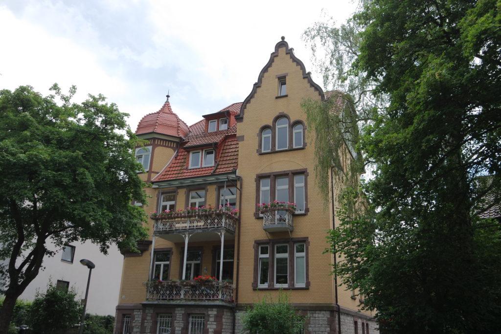 Ansicht Frontseite Hainholzweg 32, 2019.
