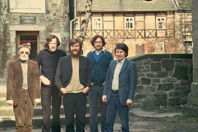Foto (1980) von Christian Rittelmeyer mit Team (Klaus Mollenhauer, Michael Parmentier, Bernhard Achterberg,
