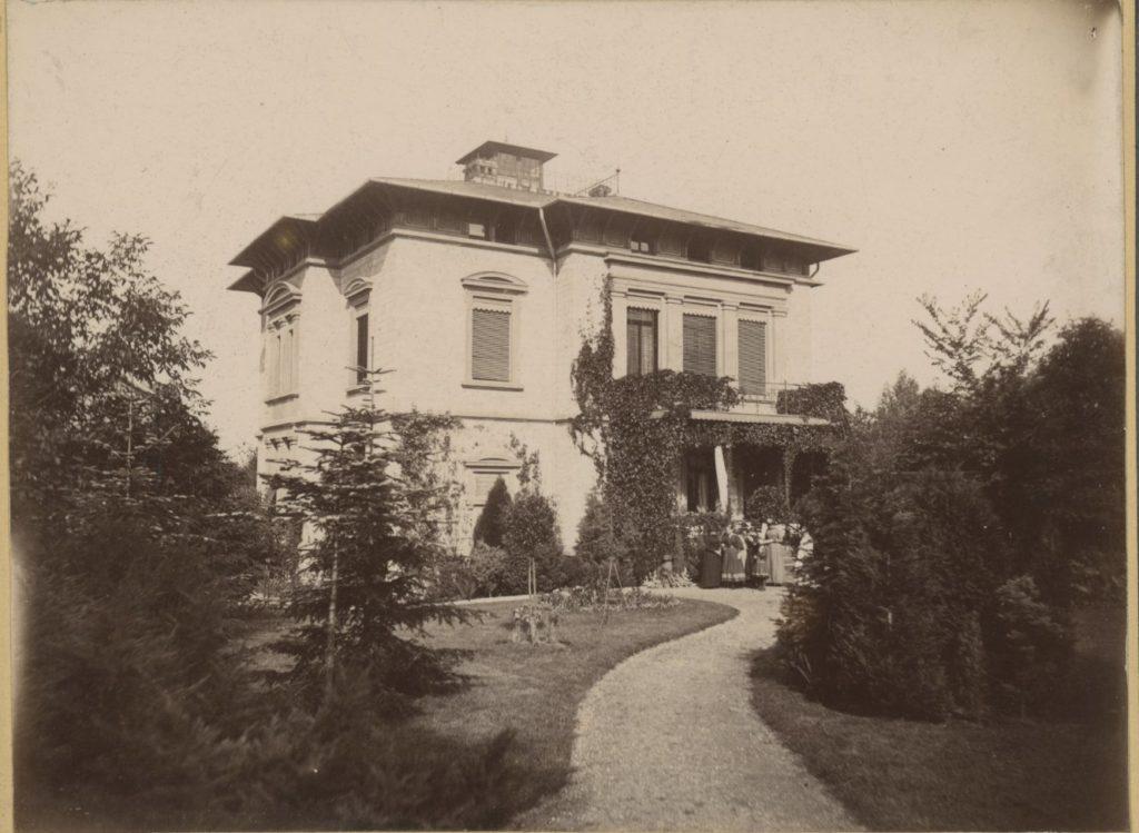 Bild der Villa Voigt, Wagnerstraße 1, im Sommer 1891. Quelle: Städtisches Museum Göttingen.