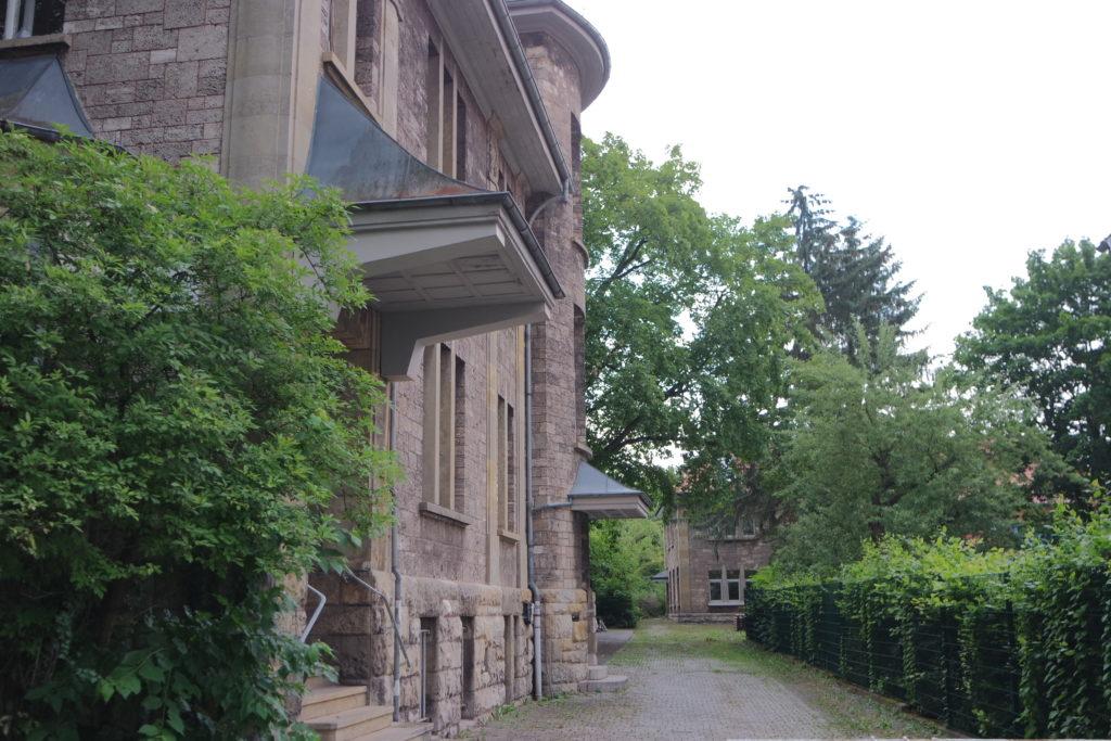 Ansicht des Hinterhauses und Seitenansicht der Baurat-Gerber-Straße 4-6. Foto: Daniel Erdmann, 2019.